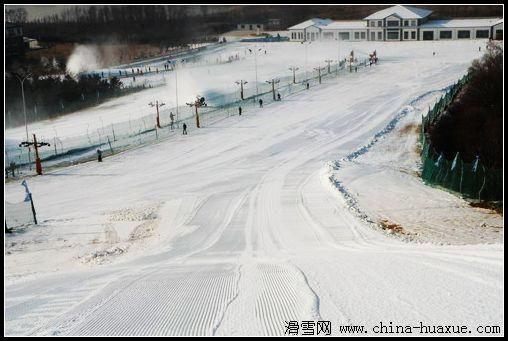 大连铭湖滑雪一日游